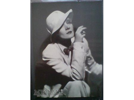 Duże zdjęcie Marlene Dietrich MARLENA portret z papierosem