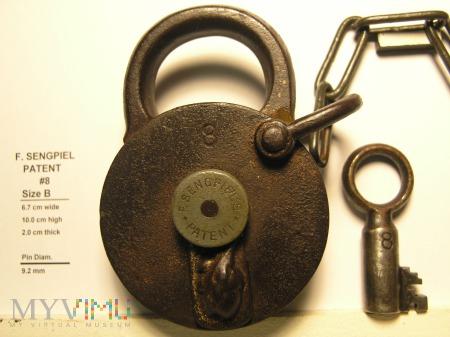 "F. Sengpiel Patent Padlock #8 - Size ""B"""