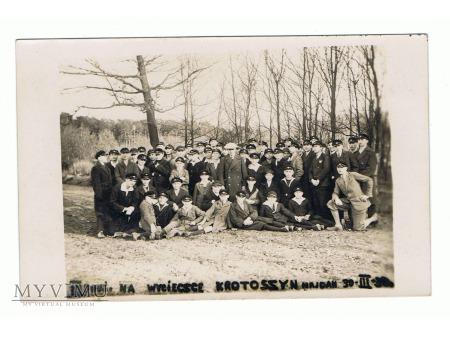 Fotografia krotoszyńskich harcerzy.