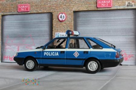 FSO Polonez Caro - radwiowóz polskiej Policji