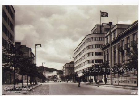 Gdynia - ulica 10 lutego i budynek PLO - 1939-1945