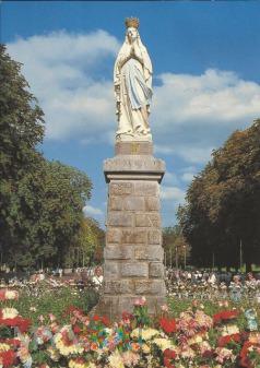 Francja - Matka Boża z Lourdes