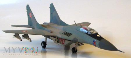 Samolot myśliwski MiG-29 (model 1/72)