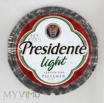 Dominikana, Presidente light