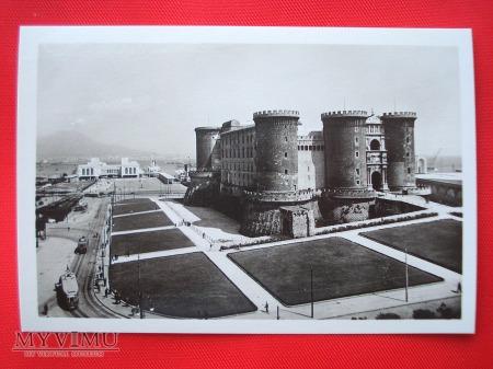 Neapol - Castel Nuovo i Stazione Marittima