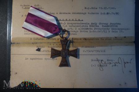 Duże zdjęcie Krzyż Walecznych - Knedler nr :28990 - II RP - 4.