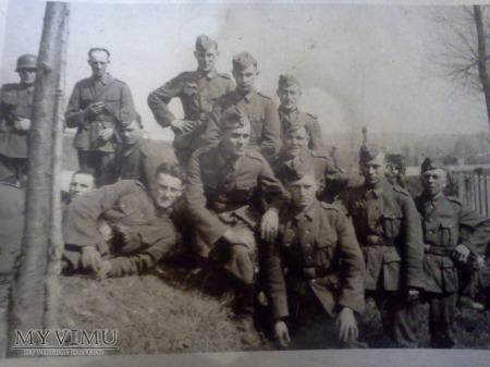 Grupa niemieckich żołnierzy