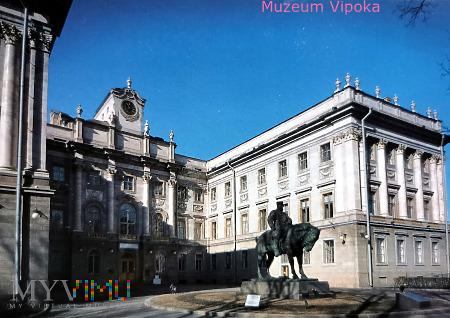 Aleksander III przed Pałacem Marmurowym