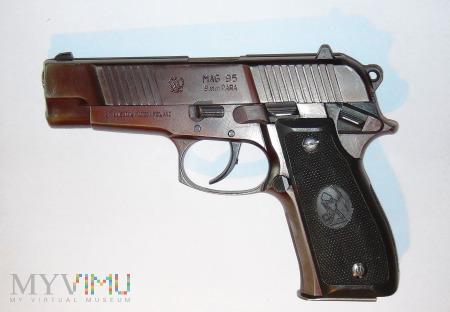 Pistolet MAG-95
