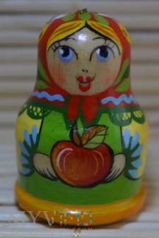 Naparstek matrioszka z jabłkiem
