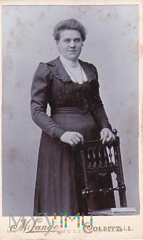 Portrait Bürgerliche in bestickter Robe