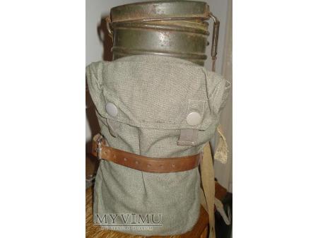 Niemiecka puszka na maske P-gas 4