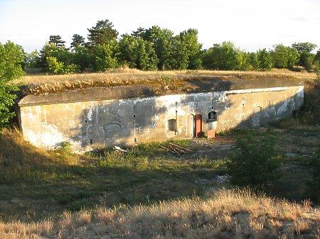 Duże zdjęcie Schron amunicyjny Baterii Półpancernej S.L.B.
