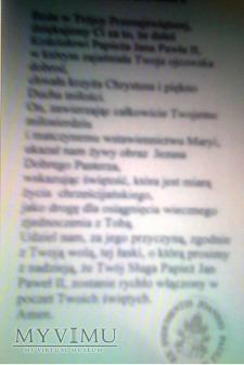 Ex indumentis Jana Pawła II. Dar Kard. Stanisława