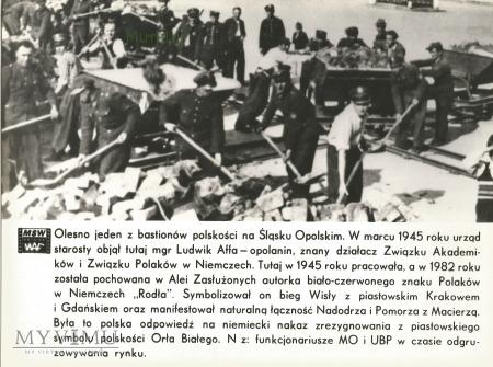 Zdjęcie propagandowe MO: UBP odgruzowuje rynek