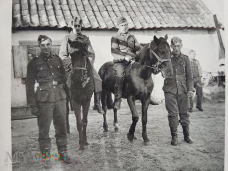 żołnierze na koniach 1939
