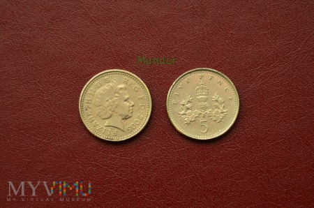 Moneta brytyjska: 5 pence 2005