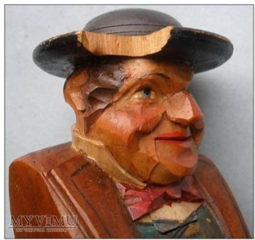 M ężczyzna w kapeluszu - dziadek do orzechów