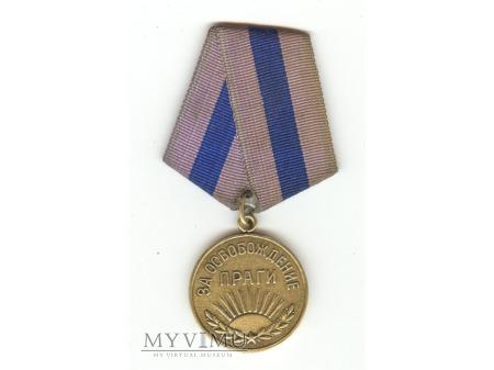 """Duże zdjęcie Medal """"Za wyzwolenie Pragi"""""""