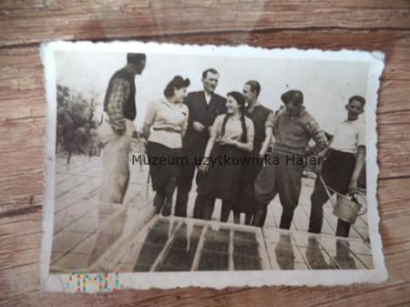 Stare zdjęcie z albumu żydowskiego Judaika