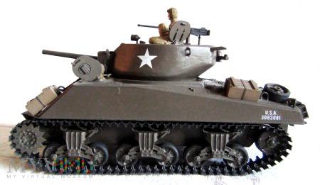 Czołg szturmowy M4A3E2 (