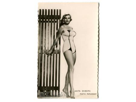 Anita Ekberg nimfa Felliniego postcard photo