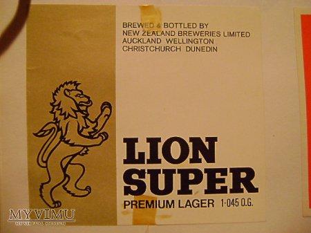 LION SUPER