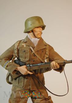 Schütze ze 104. Panzer Grenadier Regiment.