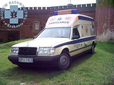 Duże zdjęcie Mercedes-Benz W124 Binz Ambulance
