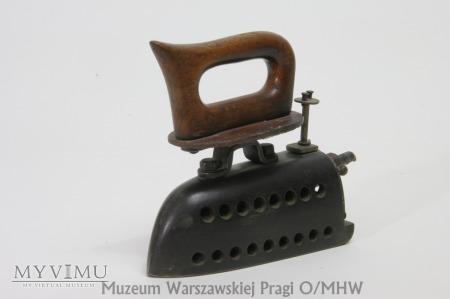 Żelazko podróżne, gazowe, pocz. XX w.