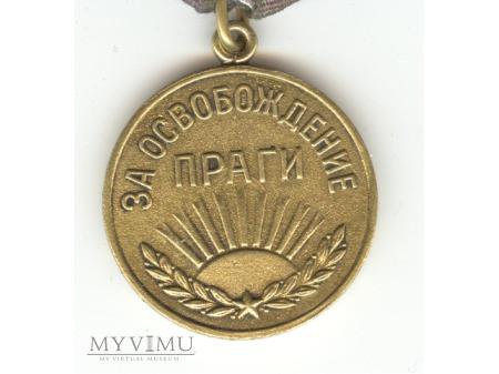 """Medal """"Za wyzwolenie Pragi"""""""