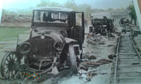 zniszczone rosyjskie samochody