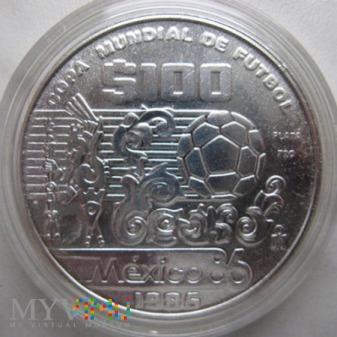 Duże zdjęcie 100 pesos 1985 r. Meksyk ( FIFA )