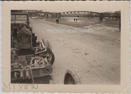 Most kolejowy na Sanie. Przemyśl. Wrzesień 1939 r.