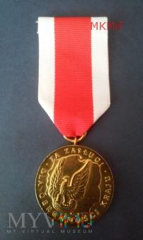 Duże zdjęcie Złoty Medal Za zasługi dla obronności kraju