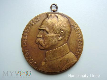 Duże zdjęcie medal Piłsudski rok 1930