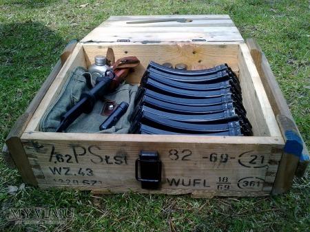 Skrzynka amunicyjna na ( amunicję 7,62mm )