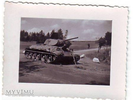 Opuszczony radziecki T-34/76