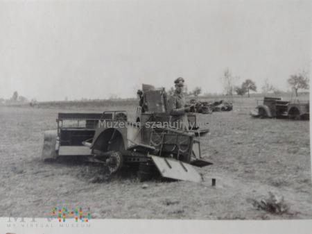 zniszczony polski sprzęt wojskowy