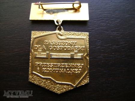 odznaka Zasłużony dla gospodarki