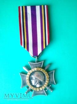 """Kombatancki Krzyż Pamiątkowy """"ZWYCIĘZCĄ"""" 1945"""