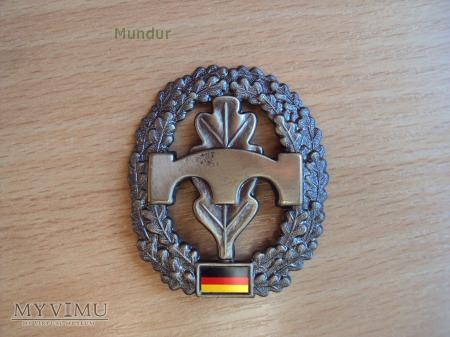 Bundeswehra: oznaka na beret Pioniertruppe