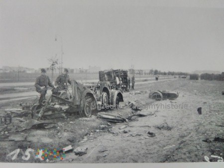zniszczenia na Okęciu 1939