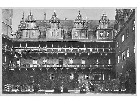 Kronprinzl. Schloss, Innenhof
