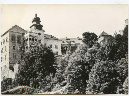 Pieskowa Skała od wschodu (zamek) - 1969 rok.