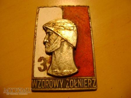 odznaka wzorowy żołnierz 3 stopnia