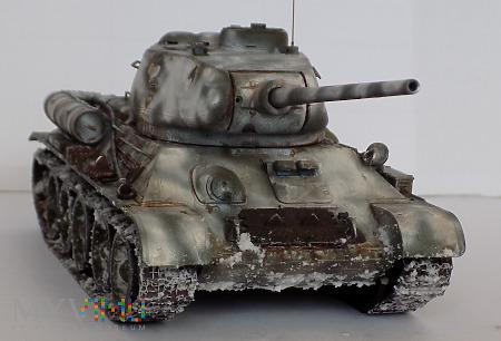 Czołg średni T-34/85 fabryka nr 112 w Gorkim.