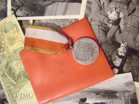 Duże zdjęcie Medal 40-lecie Polski ludowej