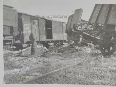 zniszczone wagony kolejowe 1939