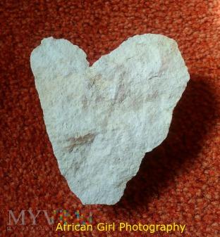 HEART 9 STONE